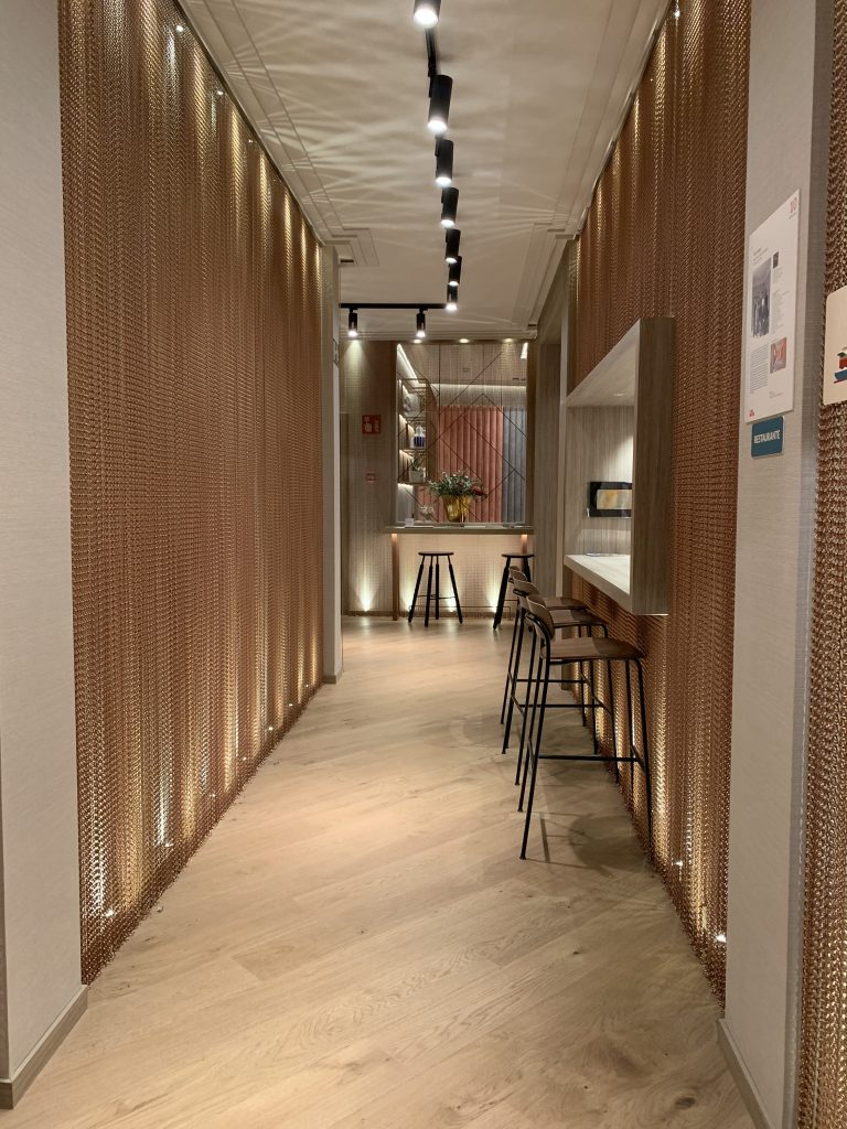 "Restaurante ""AC Lounge"", diseño de Equipo AC Hotels by Marriot"